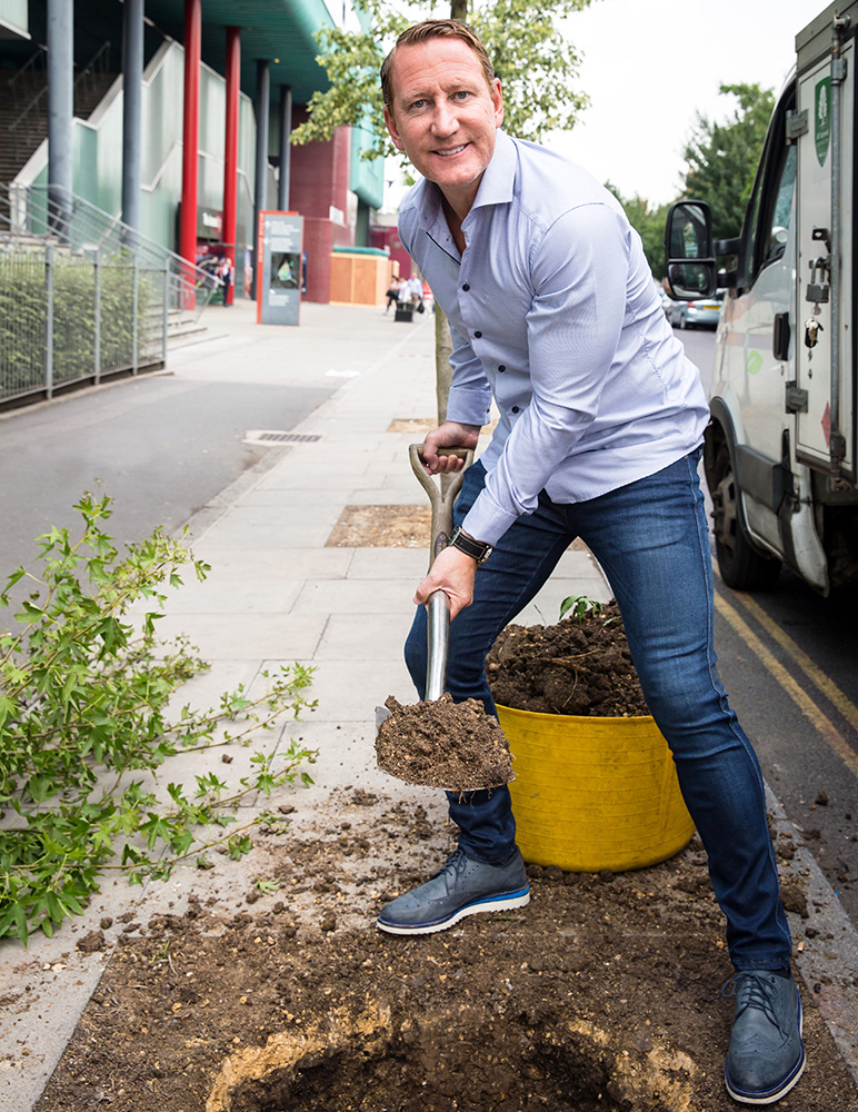 Ray Parlour planting a tree